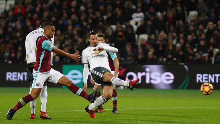 Zlatan Ibrahimovic puts Manchester United 2-0 up