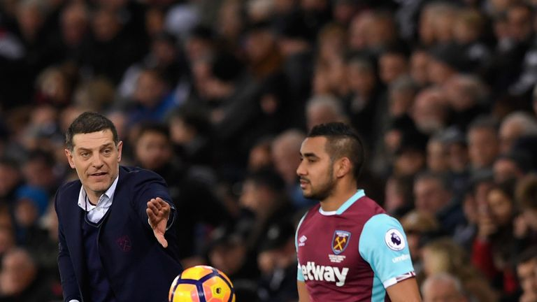 West Ham manager Slaven Bilic makes a point to player Dimitri Payet in action during the Premier League match between Swansea and West Ham