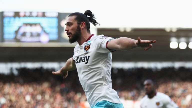 Andy Carroll celebrates his goal for West Ham at Southampton
