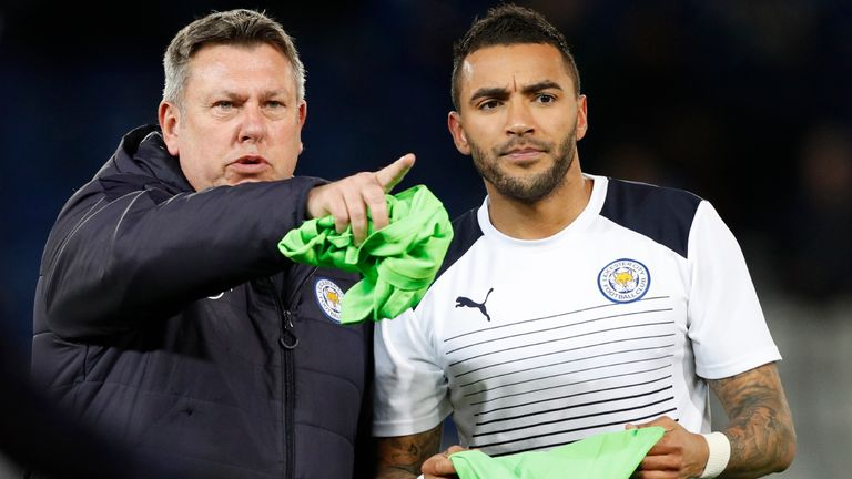 Leicester City's English interim manager Craig Shakespeare (L) with defender Danny Simpson