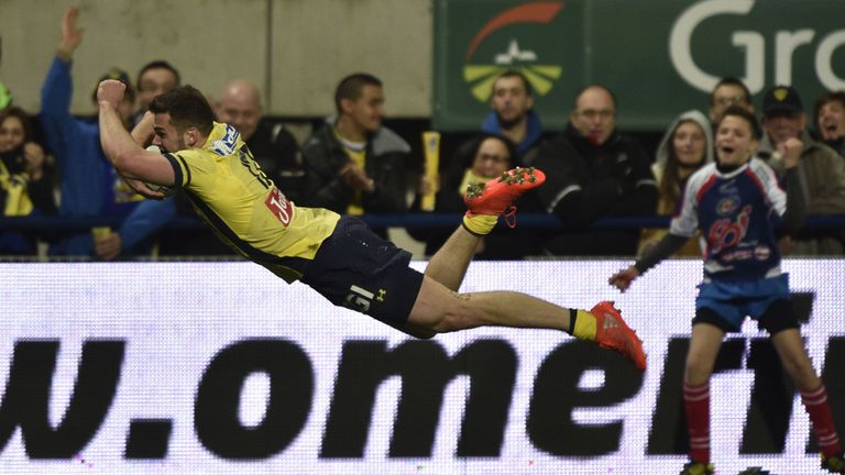 Damian Penaud impressed for Clermont in the absence of Wesley Fofana