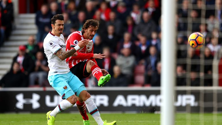 Manolo Gabbiadini rifles home the opener on Southampton debut