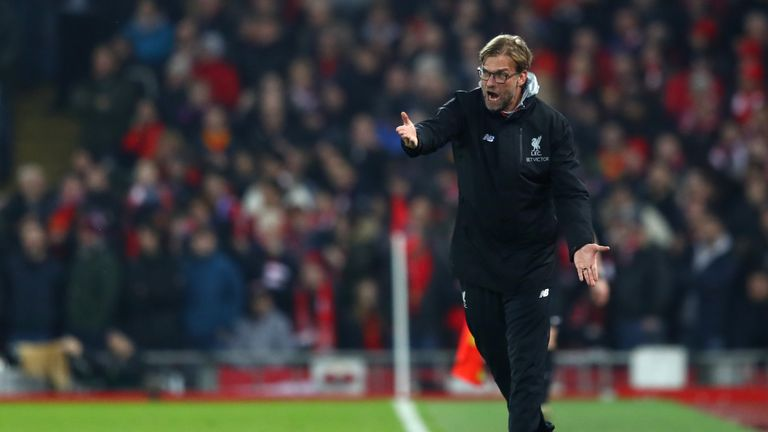 LIVERPOOL, ENGLAND - JANUARY 31:  Jurgen Klopp, Manager of Liverpool gives instruction during the Premier League match between Liverpool and Chelsea at Anf