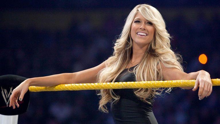 Kelly Kelly (WWE) nude 911