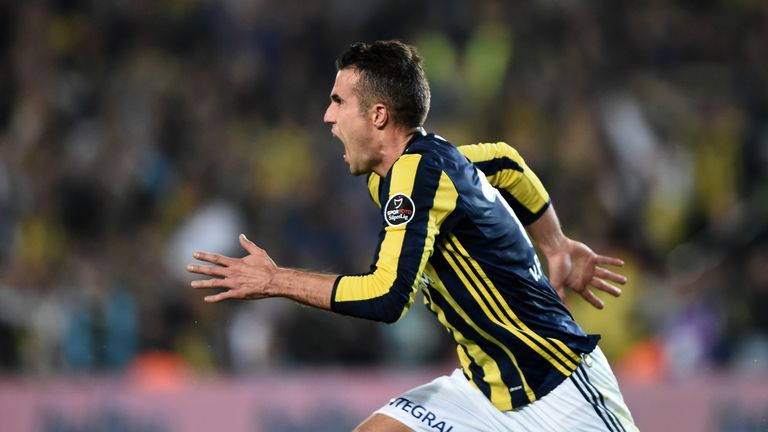 Fenerbahce's Dutch forward Robin Van Persie celebrates after scoring a goal during the Turkish Spor Toto Super Lig football match between Fenerbahce and Ga