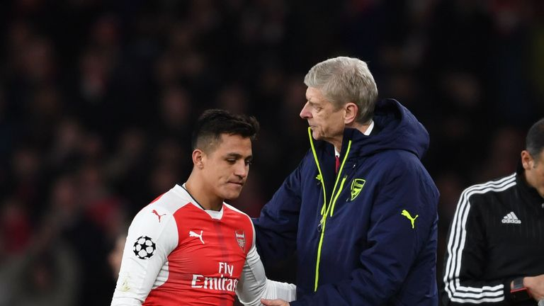 Alexis Sanchez is substituted against Bayern Munich