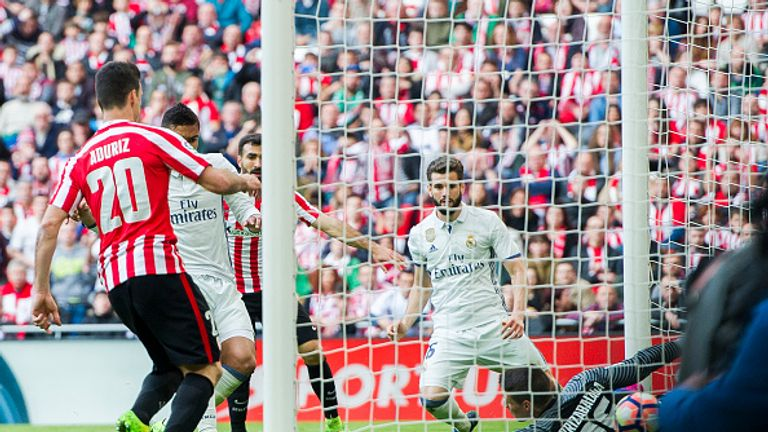 BILBAO, SPAIN - MARCH 18:  Casemiro of Real Madrid scoring his team's second goal during the La Liga match between Athletic Club Bilbao and Real Madrid at