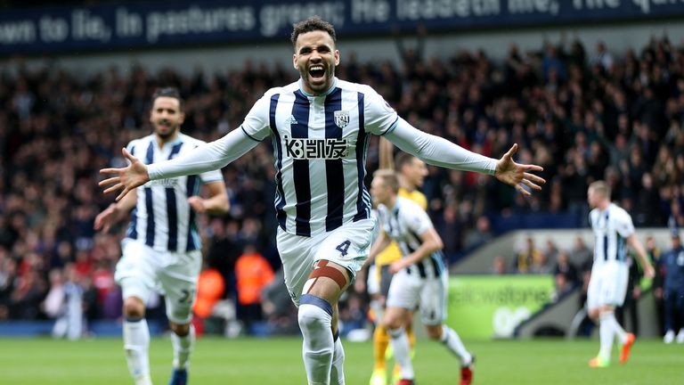 WEST BROMWICH, ENGLAND - MARCH 18:  Hal Robson-Kanu of West Bromwich Albion celebrates scoring his sides second goal during the Premier League match betwee