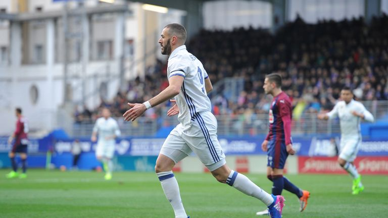 EIBAR, SPAIN - MARCH 04:  Karim Benzema of Real Madrid celebrates after scoring Real's 1st goal during the La Liga match between SD Eibar and Real Madrid