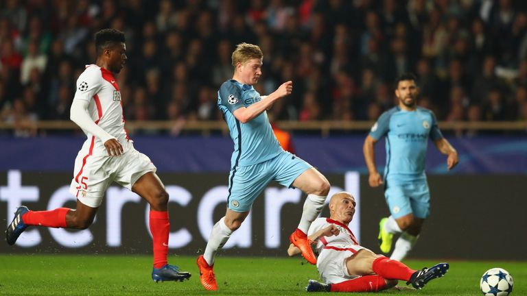 Manchester City's Kevin De Bruyne takes on Andrea Raggi and Jemerson of AS Monaco (left)