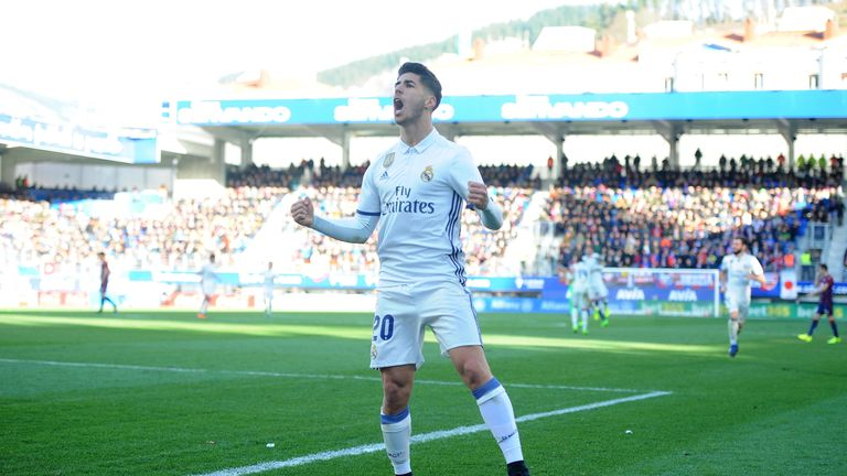 EIBAR, SPAIN - MARCH 04:  Marco Asensio of Real Madrid celebrates after scoring Real's 4th goal during the La Liga match between SD Eibar and Real Madrid