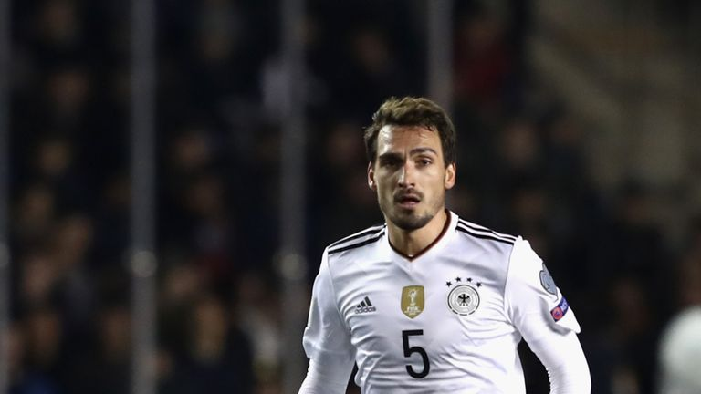 Mats Hummels will donate part of his yearly salary to charity