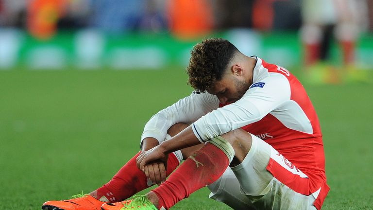 Alex Oxlade-Chamberlain will have a late fitness test for the clash