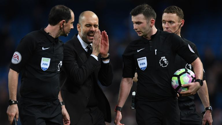 Should referees receive more credit for correct decisions?