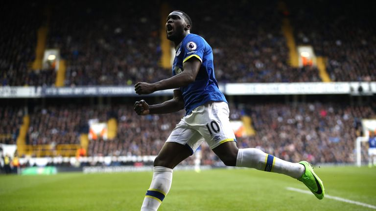 LONDON, ENGLAND - MARCH 05:  Romelu Lukaku of Everton celebrates after he scores his sides first goal during the Premier League match between Tottenham Hot