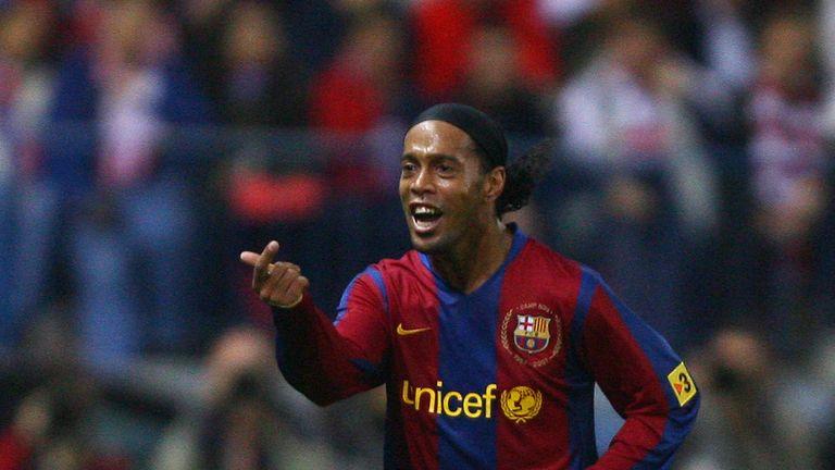 Ronaldinho se unió a Barcelona en 2003 y ganó el Balon d'Or en 2005