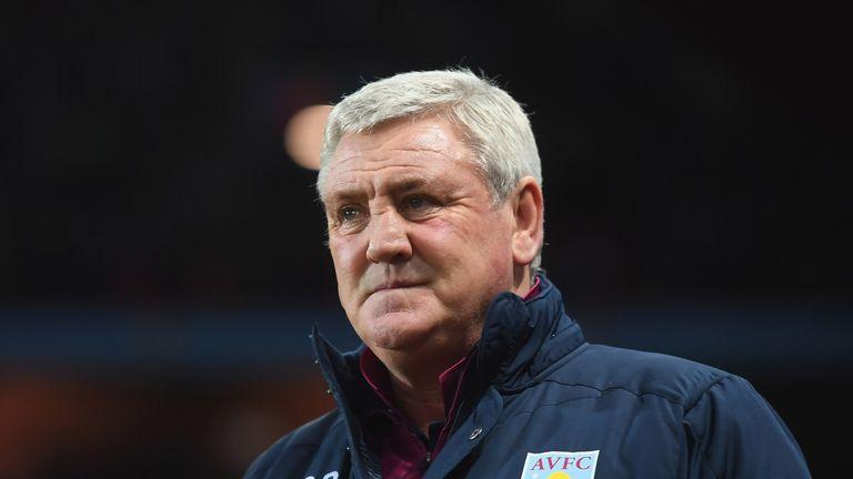 Steve Bruce during the Sky Bet Championship match between Aston Villa and Bristol City at Villa Park