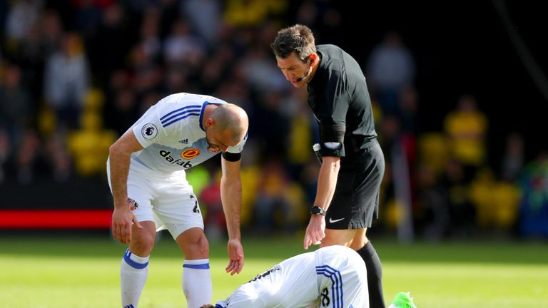 Sunderland's Jermain Defoe went down with an injury, but played the rest of the match