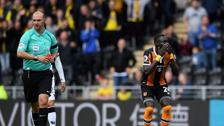 Oumar Niasse struggled to hide his dismay at Bobby Madley's decision