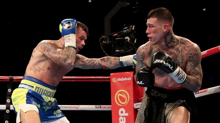 Rosado enjoyed spells of success as both fighters traded at close quarters