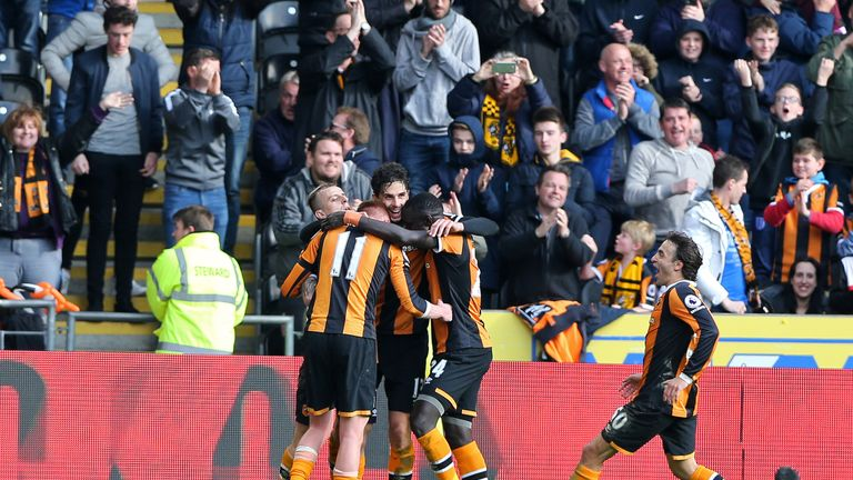 HULL, ENGLAND - APRIL 01: Andrea Ranocchia of Hull City celebrates scoring his sides second goal with his Hull City team mates during the Premier League ma