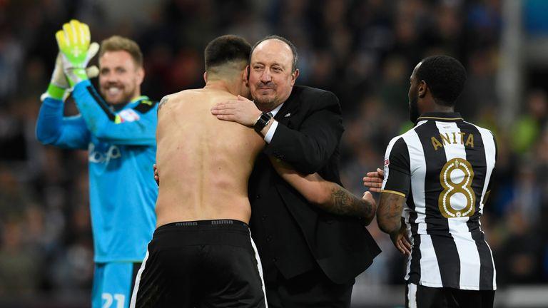 NEWCASTLE UPON TYNE, ENGLAND - APRIL 24:  Newcastle manager Rafa Benitez congratulates Aleksandar Mitrovic after the Sky Bet Championship match between New