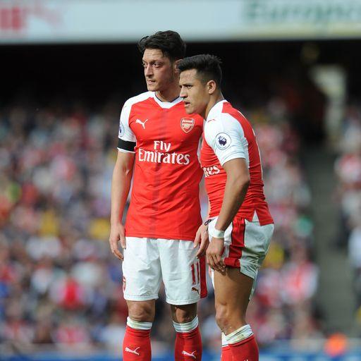 Wenger: Ozil, Sanchez sales possible