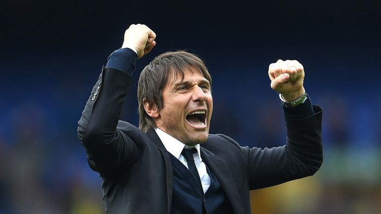 Antonio Conte celebrates after the win against Everton at Goodison Park