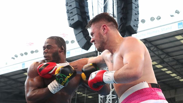 David Allen suffered a split decision defeat to Lenroy Thomas last month