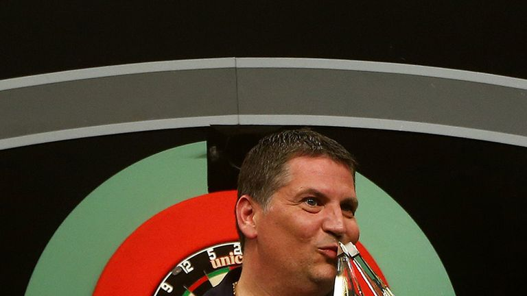 Gary Anderson won the Premier League in 2015