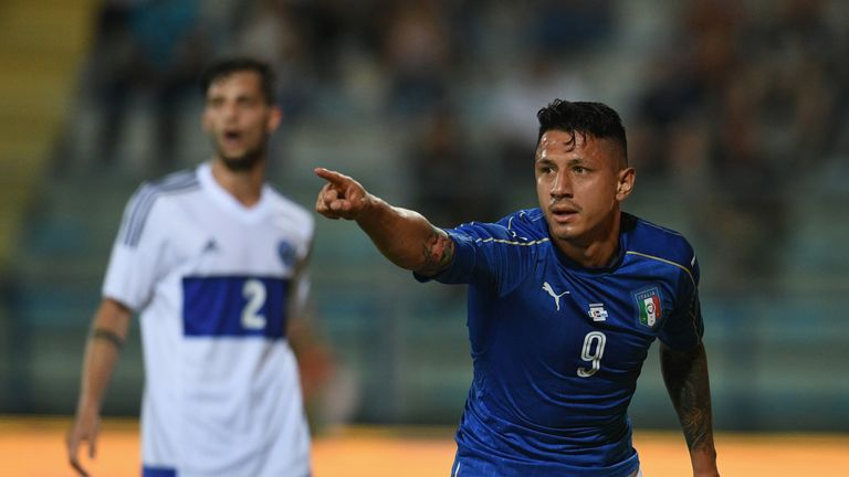 EMPOLI, ITALY - MAY 31:  Gianluca Lapadula of Italy #9 celebrates after scoring the opening goal during the international friendy match played between Ital