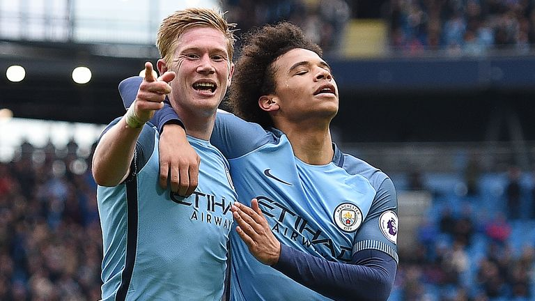 Kevin De Bruyne celebrates after giving Manchester City a 3-0 lead