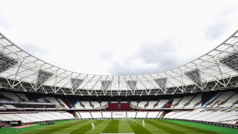 West Ham struggled with their transition to the larger pitch at the London Stadium last season