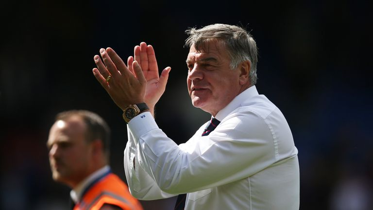 LONDON, ENGLAND - MAY 14: Sam Allardyce, Manager of Crystal Palace shows appreciation to the fans after the Premier League match between Crystal Palace and