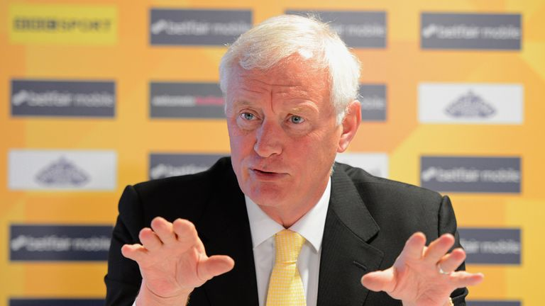 World Snooker chairman Barry Hearn rules out big pay days for maximum breaks