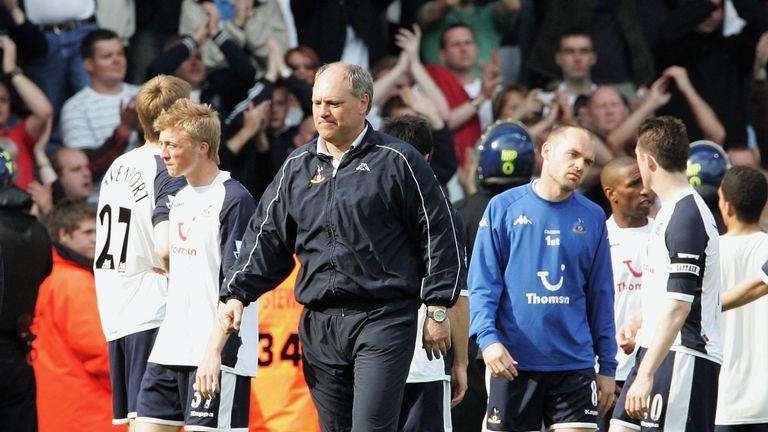 Tottenham sacked Martin Jol on October 25, 2007 and was replaced with Harry Redknapp