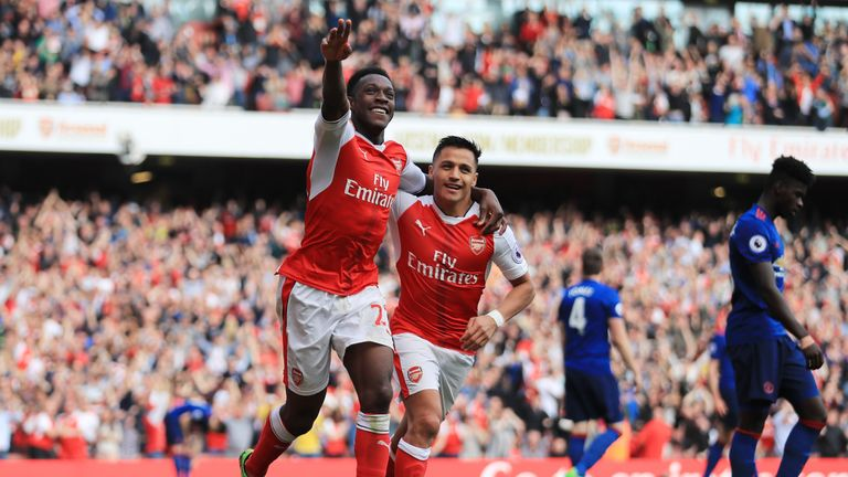 LONDON, ENGLAND - MAY 07:  Danny Welbeck of Arsenal celebrates scoring his sides second goal with Alexis Sanchez of Arsenal during the Premier League match