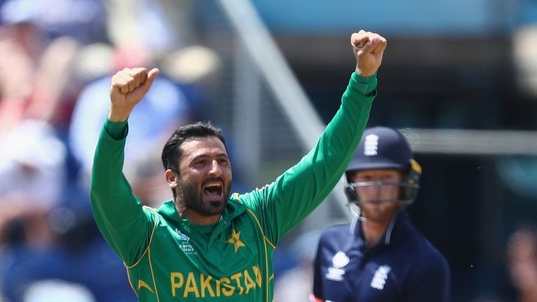 Junaid Khan set the tone early on and later removed Jos Buttler