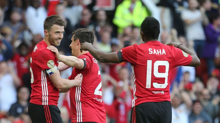 Carrick struck in front over 70,000 fans at Old Trafford on Sunday
