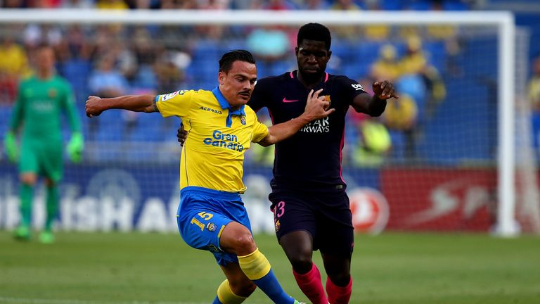 Swansea are hoping to complete the signing of Las Palmas' Roque Mesa