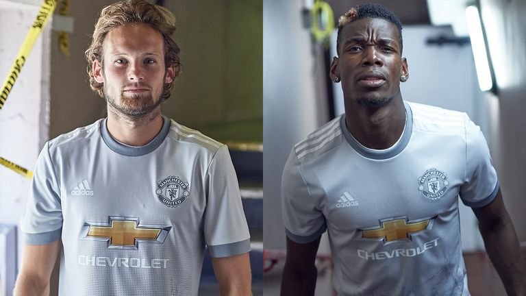 buy popular 24982 59d3d Manchester United unveil grey third kit for new season ...