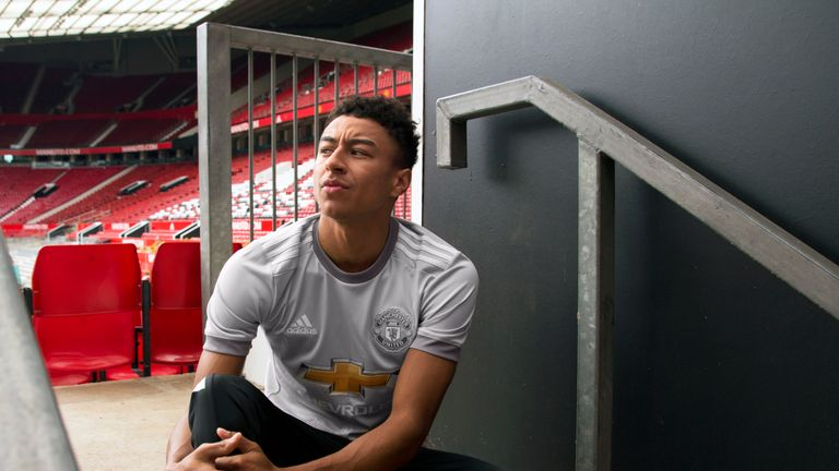 buy popular 888f4 0cec8 Manchester United unveil grey third kit for new season ...