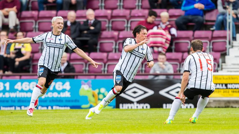 Dunfermline's Joe Cardle (centre) celebrates his fine goal at Tynecastle