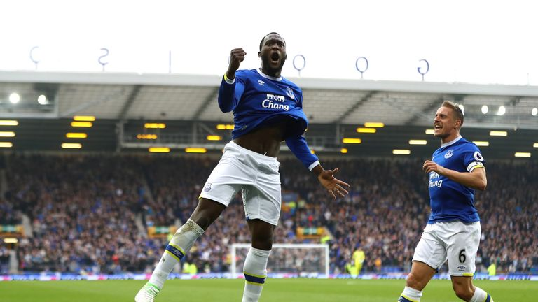 Romelu Lukaku celebrates after scoring Everton's fourth goal against Leicester City