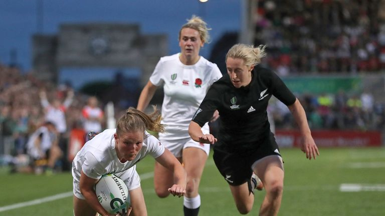 Lydia Thompson scores her second try of the World Cup final