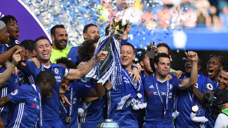 LONDON, ENGLAND - MAY 21:  Chelsea celebrate winning the Premier League title following the Premier League match between Chelsea and Sunderland at Stamford