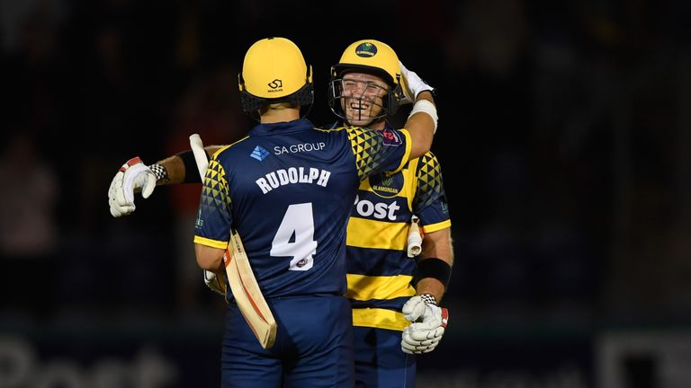 Colin Ingram took his six tally for the season to 30 as Glamorgan eased home with 6.2 overs to spare