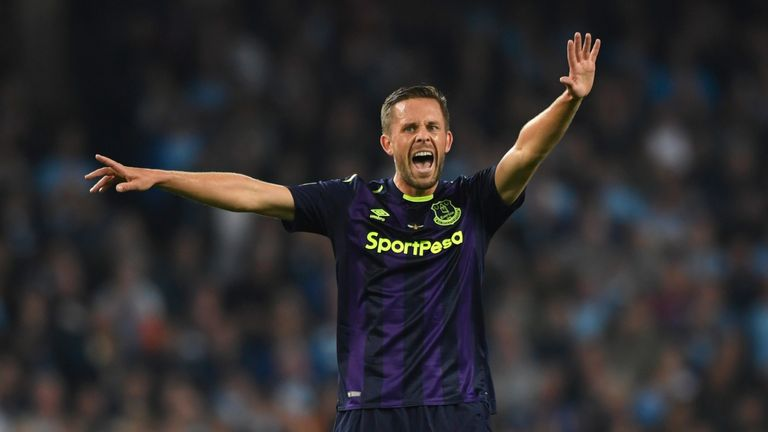 Sigurdsson scored from 45 yards to help send Everton through