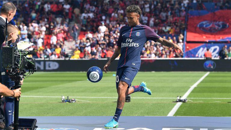 Neymar Unveiled To Paris Saint Germain Fans After Barcelona Move Football News Sky Sports