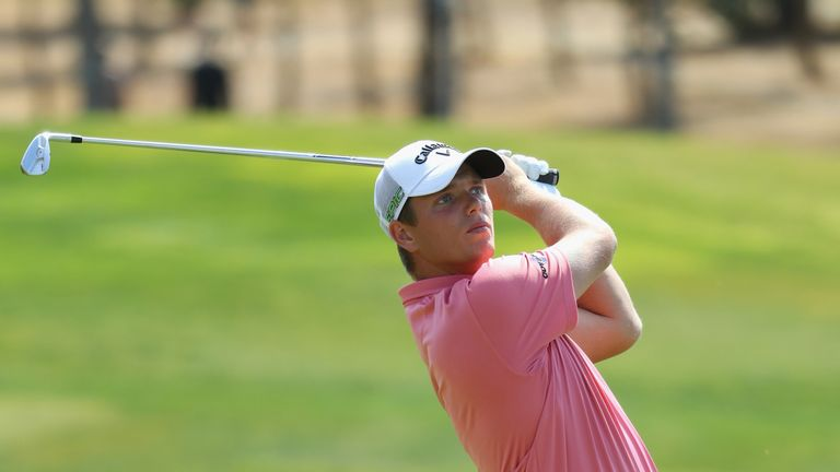 Shinkwin mixed seven birdies with a sole blemish
